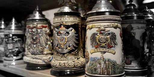Traditional-German-Beer-Drinking