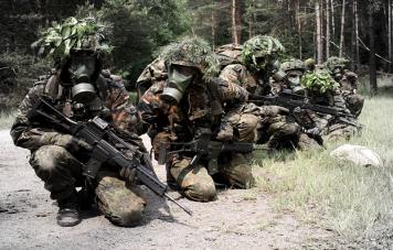 Bundeswehr-M2000-Gasmaske-0