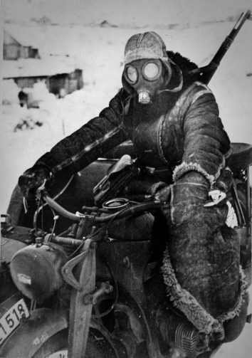 BMW-Zundapp-M38-Gasmaske-Winter-Scout-1