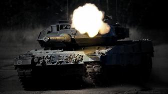The-White-Standard-Defens-Technologie-Leopard-2-MBT
