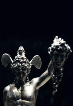 Benvenuto-Cellini-1554 Perseus-with-the-Head-of-Medusa