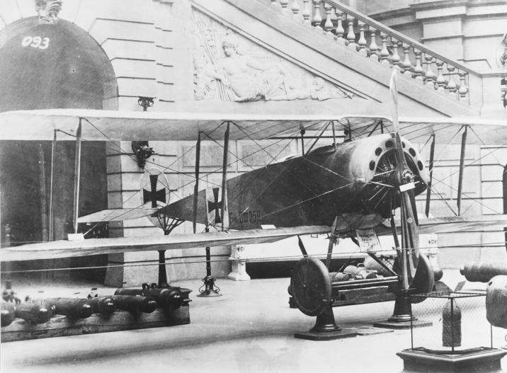 FEATURE-German-Fokker-D.III-fighter
