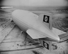 FEATURE-Hindenburg-LZ-130-Graf-Zeppelin-Lakehurst